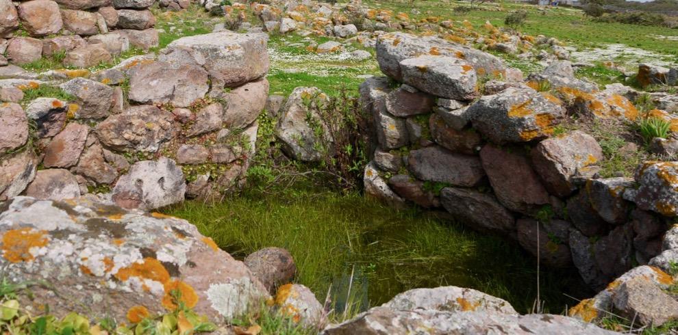 archeo-tour-nuraghe-seruci-hut